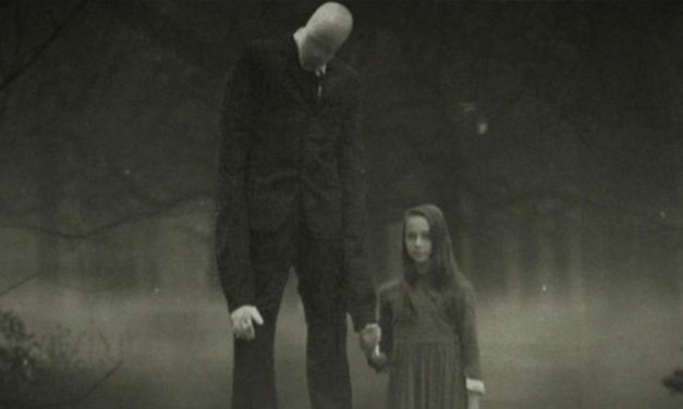 Recenzija: Beware the Slenderman (2016)