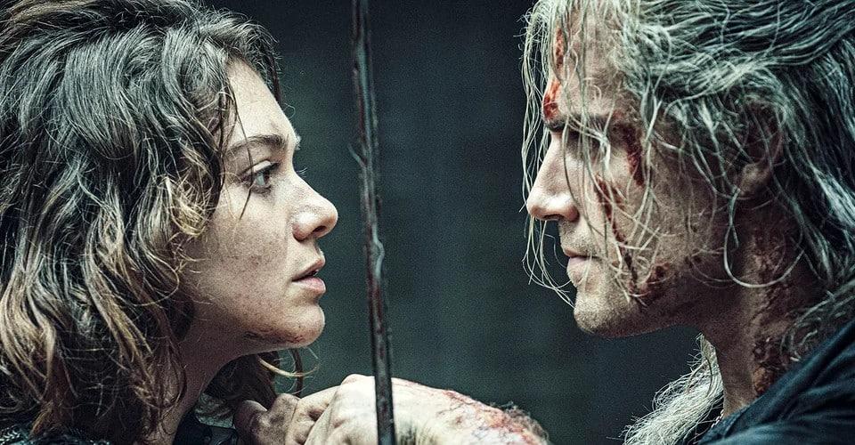 Pogledajte kako The Witcher zvijezda Henry Cavill objašnjava svoj mač i 'Battle of Blaviken'