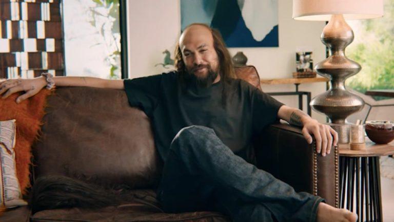 Jason Momoa izgubio kosu i mišiće u jezivom novom videu