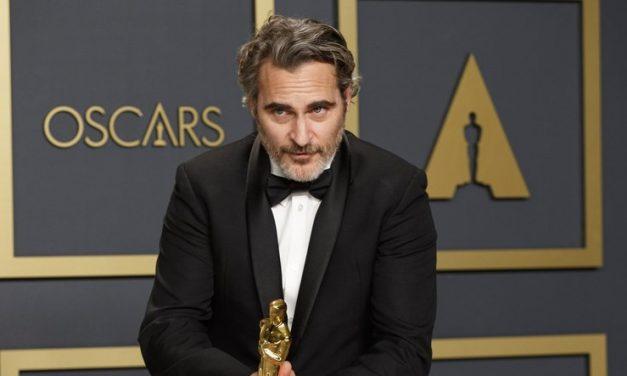 Joaquin Phoenix spomenuo pokojnog brata Riveru u govoru na prihvaćanju Oscara