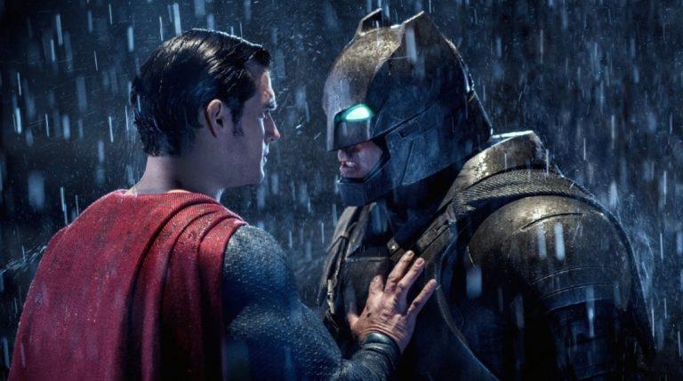 Nova 'Batman v Superman' iza kulisa slika pokazuje Ben Affleckovo mehaničko odijelo