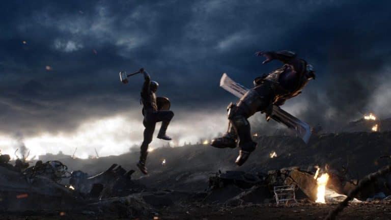 Avengers: Endgame rana konceptna umjetnost prikazuje Kapetana kako Mjolnirom ruši Thanosa