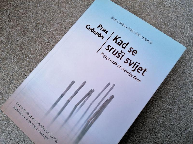 Recenzija knjige: Kad se sruši svijet (Knjiga nade za sretnije dane)