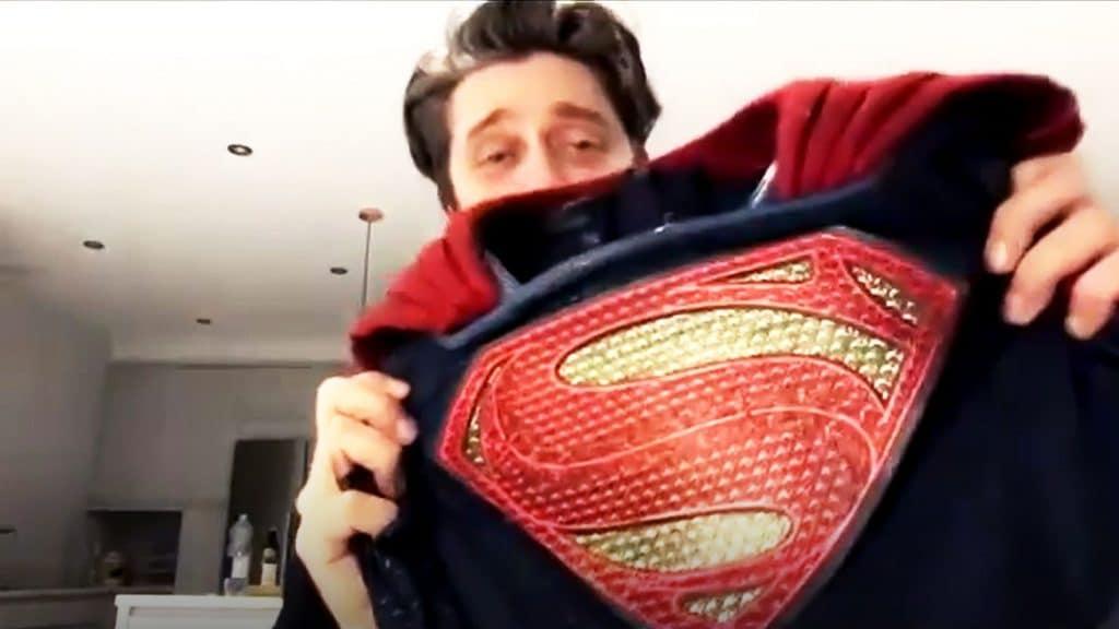 DCEU Supergirl će debitirati u 'The Flash' filmu! Otkrivena glumica i prvi pogled na kostim!