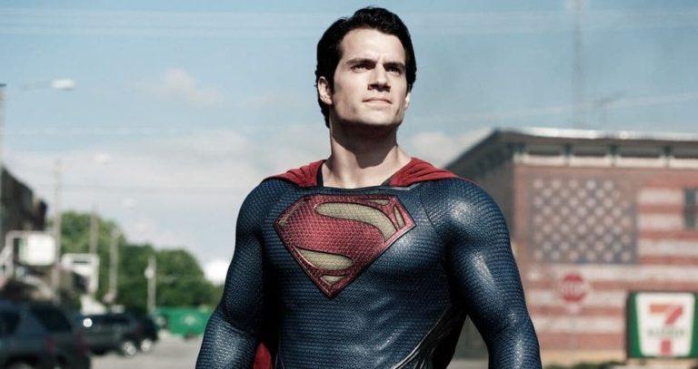 Henry Cavill objavio sliku sebe kao dječaka u Superman pidžami