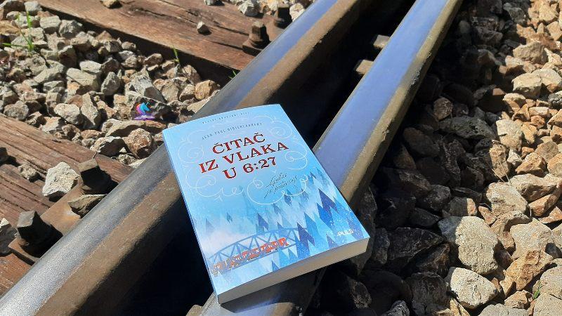 Recenzija knjige: Čitač iz vlaka u 6:27